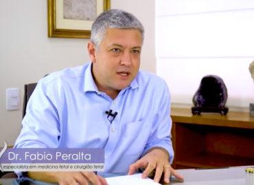 Dr. Fábio Peralta explica a Mielomeningocele ou Espinha Bífida Aberta - Vídeo Completo